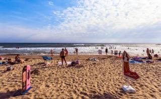 На одесских пляжах купаться крайне не рекомендуют