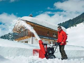 Бензиновый снегоуборщик – основные характеристики