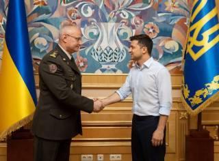 Стали известны причины увольнения Хомчака с должности главнокомандующего ВСУ