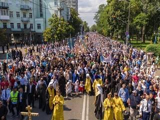 Митрополит Антоний рассказал о подвиге веры сотен тысяч участников Крестного хода