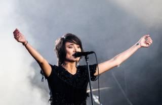 Земфира внезапно выпустила второй альбом за полгода