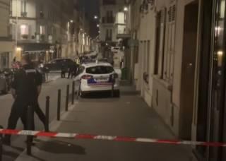 В Париже автомобиль протаранил кафе
