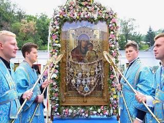 В Святогорской лавре тысячи верующих УПЦ отметили память чудотворной иконы Богородицы