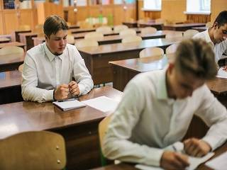 115 абитуриентов допущены к вступительным экзаменам на дневное отделение в Киевские духовные школы