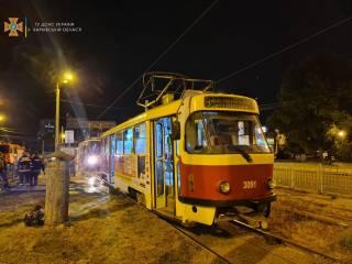 В Харькове на ходу загорелся трамвай с пассажирами