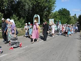 На Киевщине верующие УПЦ прошли крестным ходом с чудотворной иконой Богородицы