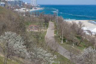 Жители Одессы жалуются на жуткую вонь