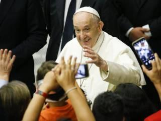 Неизвестные отправили Папе Римскому по почте три патрона