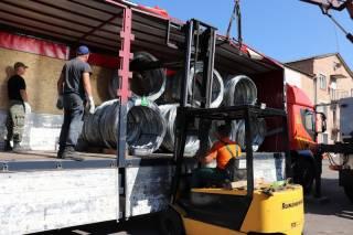 Украина отправила в Литву гуманитарную помощь в виде 38 тонн колючей проволоки