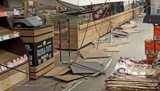 В родном городе президента на посетителя супермаркета обрушился потолок