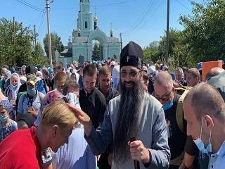 С Виннитчины верующие УПЦ пройдут 275 км крестным ходом в Почаевскую лавру