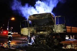 В Днепропетровской области произошло кровавое ДТП с четырьмя грузовиками