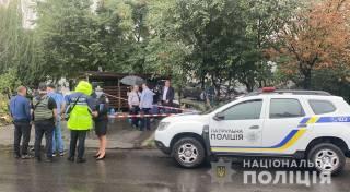 В киевском спальнике неизвестные жестоко избили и расстреляли мужчину, которого разыскивала полиция