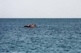 Маленький мальчик утонул, катаясь на матрасе в Херсонской области. Его отца еще ищут
