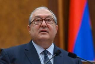 Армянский президент поздравил Зеленского с Днем Независимости