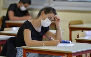 Над Украиной нависла угроза вспышки коронавируса среди детей