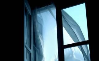 В Симферополе женщину выкинули с восьмого этажа прямо во время пьянки