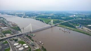 Накануне визита Зеленского в США повернулись вспять воды реки Миссисипи