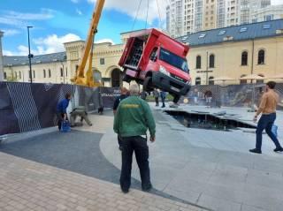 Кличко рассказал подробности ДТП с фонтаном на Арсенальной площади