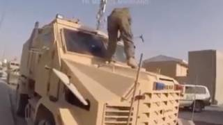 СМИ опубликовали видео, как американцы громят свое вооружение в Кабуле