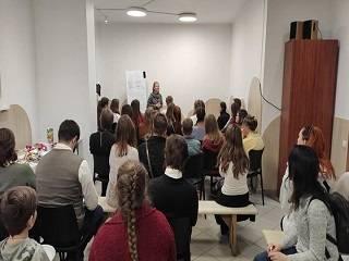 В Киеве образовательный центр при храме УПЦ приглашает на курсы
