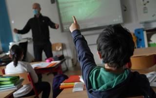 В МОН рассказали, сколько сотрудников учебных заведений привились от коронавируса