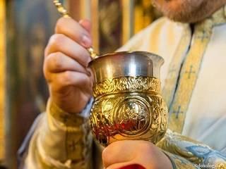 Священник УПЦ рассказал о том, как часто нужно причащаться