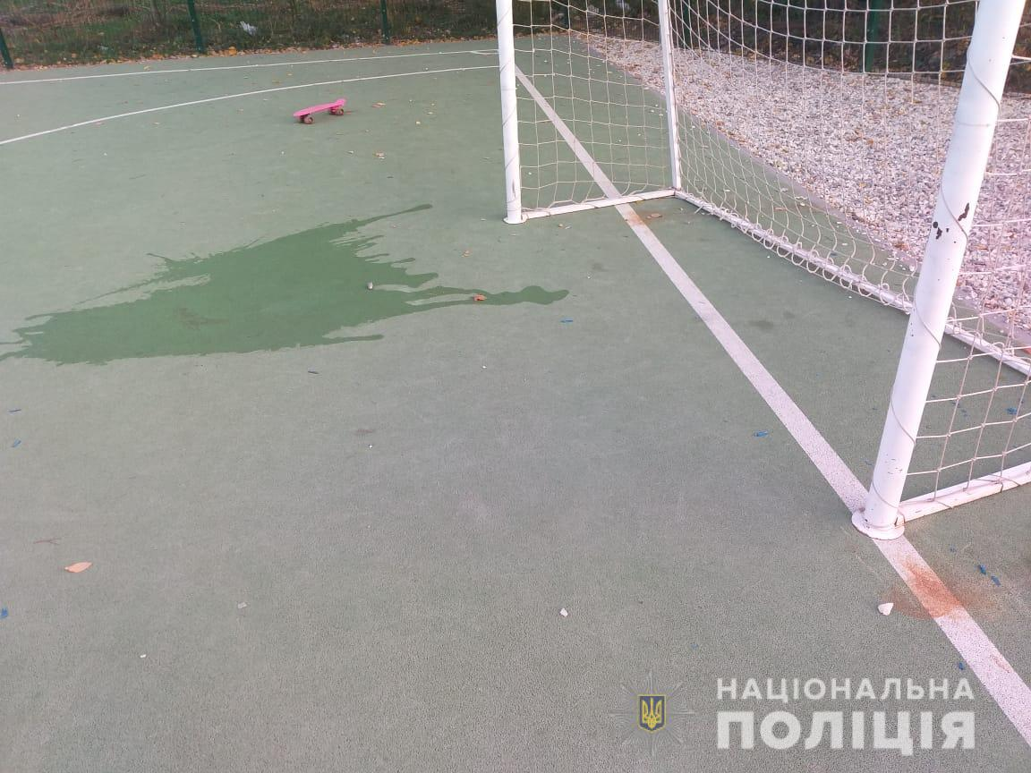 Место травмирования футбольными воротами 6-летнего ребенка в Харькове