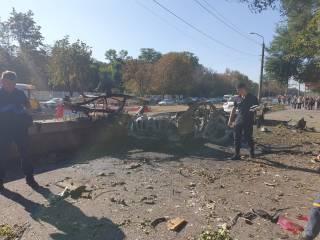 Двух человек разорвало на куски в результате взрыва автомобиля в Днепре