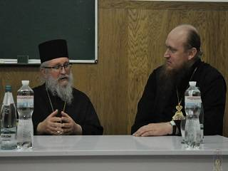 Священник Кипрской Церкви призвал верующих оставаться верными УПЦ