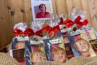 В Германии всем желающим предложили полакомиться... головой Меркель