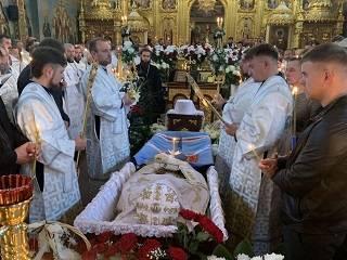На Ровенщине верующие УПЦ простились с митрополитом Варфоломеем