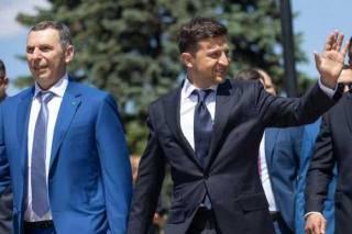 Под Киевом обстреляли авто первого помощника Зеленского