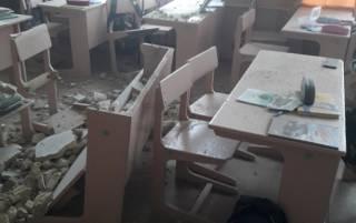 В школе на Черниговщине рухнул потолок в классе, разбив парты и стулья