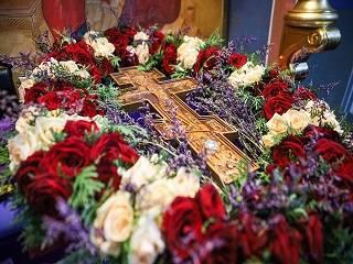 Сегодня верующие УПЦ празднуют Воздвижение Креста Господнего