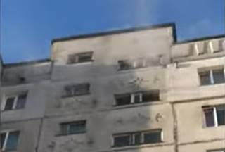 Спасатели показали эвакуацию людей во время пожара в Хмельницком