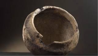 В ходе ремонта дорог в двух областях найдены керамические артефакты возрастом до 7 тыс. лет