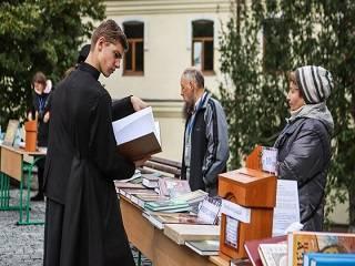 На благотворительной ярмарке УПЦ собрали 42,4 тыс грн для пострадавших общин