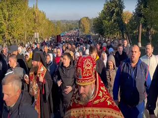 На Кировоградщине верующие УПЦ прошли крестным ходом к мощам священномученика Николая Искровского
