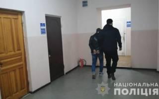 В Одессе извращенец насиловал свою 7-летнюю падчерицу, пока ее мать была на работе