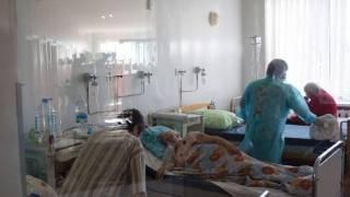 На Львовщине больницы переполнены COVID-пациентами. Люди лежат даже в коридорах