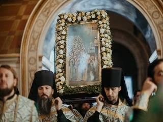 В Киево-Печерской лавре верующие УПЦ отметили Собор всех преподобных отцов в Ближних пещерах