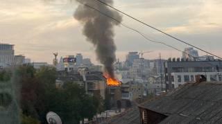 В самом сердце Киева едва не сгорел жилой дом