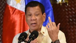 «Сделаем инъекции ночью»: президент Филиппин придумал крайне необычный способ прививать антивакцинаторов